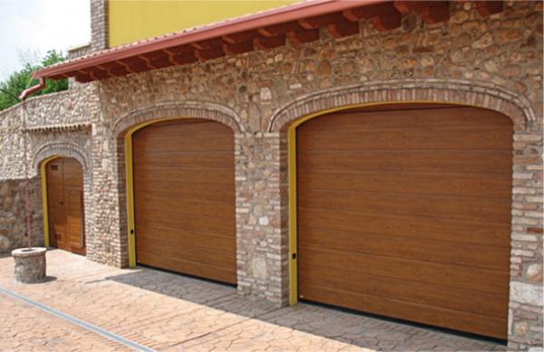 Porte sezionali per garage - Porte garage automatiche prezzi ...